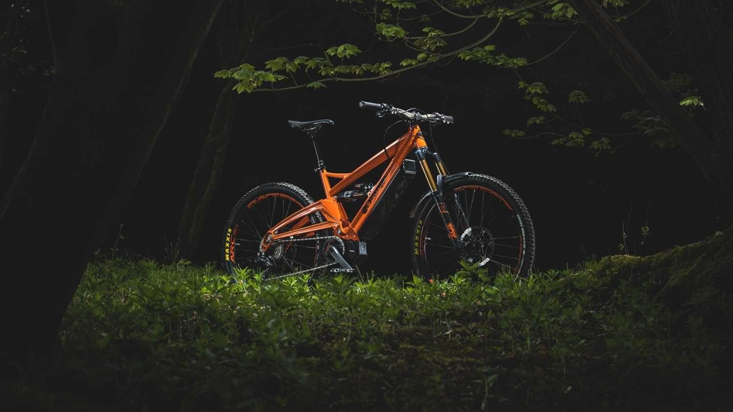 Orange Alpine 6 E